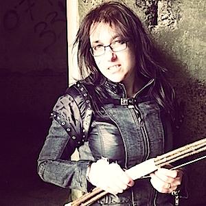 Lisa-Shambrook-Family-Dystopian-Post-Apocalyptic-Photo-Shoot