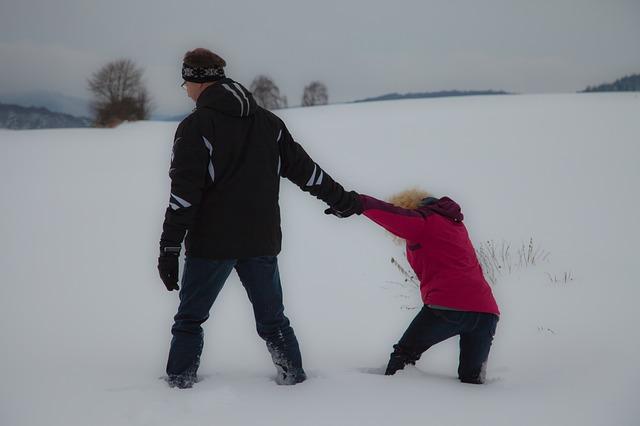 snow-2698793_640