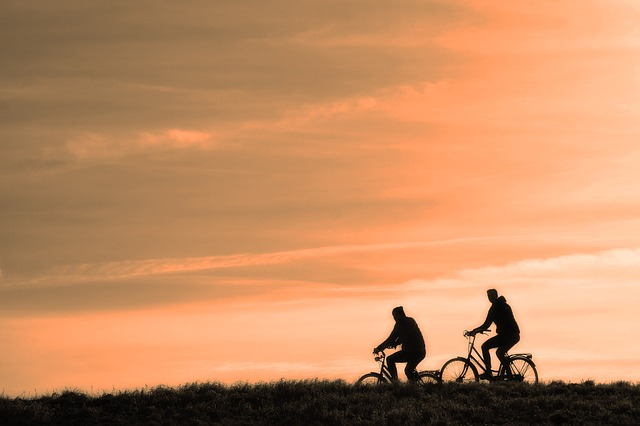 cyclist-3202481_640