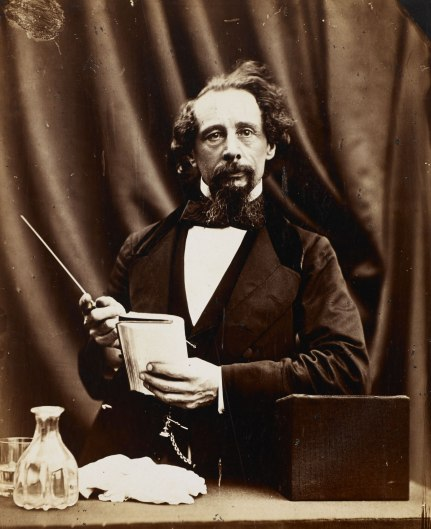 dl-portrait-charles-dickens